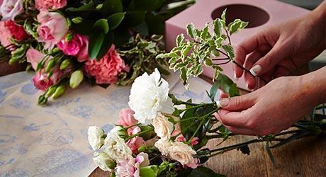 Flowerboxes & Bouquets