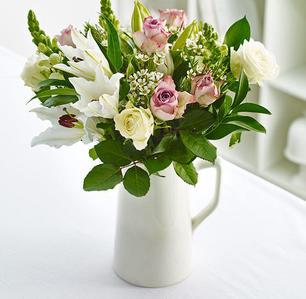 Product_tile_3col_bq_314135_bouquet_pink_lilac_lifestyle-web