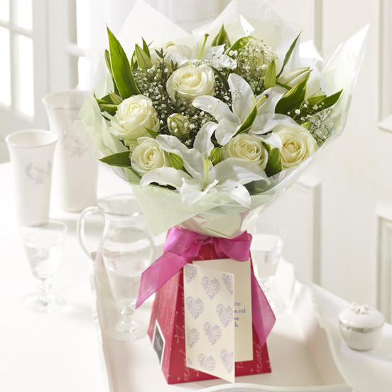 Click to enlarge - Fresh Cream Bouquet - Anniversary