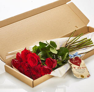 Product_tile_3col_lbf_317205_twelve_red_roses_letterbox_valentines-web